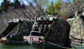 Zakotvené čluny po desetidenní plavbě