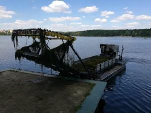 hlucinske_jezero_kombajn